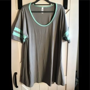 Grey and teal Varsity style Perfect T size XL